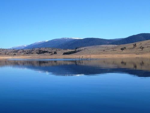 lake-jindabyne