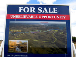 590 ACRES WITH 2.8 KM OF MOONBAH RIVER FRONTAGE